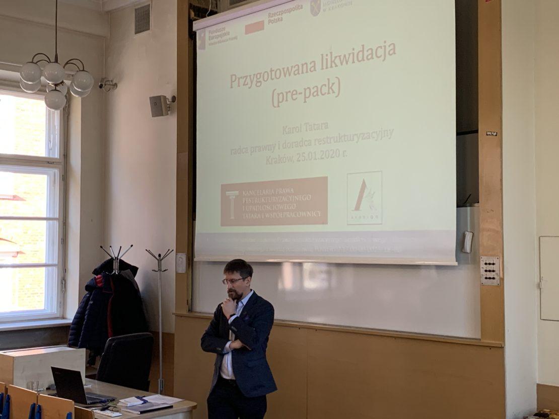 wykład Karola Tatary o pre-packu na UJ